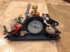 Looney Tunes Mantle Clock - Bugs Bunny, Sylvester, Tweety, Yosemite Sam & Taz
