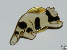 WOW Nice Vintage Black & White CAT Shaped Kitty Pin Rare