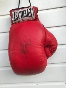 rare Everlast boxing glove signed by Muhammad Ali Cassius Clay and Larry Holmes