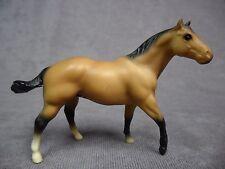 Breyer * Quarter Horse Stallion - Buckskin * 711096 Stablemate SM Model Horse