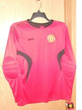 NWT MANCHESTER UNITED SOCCER JERSEY WITH PADS ADULT MEDIUM