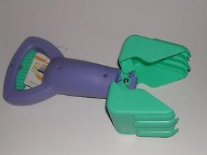 Sand & Beach Toy Grabber (Blue)