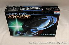 Star Trek Voyager Original Monogram Model-RARE!  WOW!