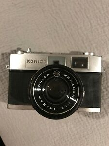 KONICA Auto S2 Rangefinder Camera with 1:1.8 f=45mm and Leather Case