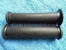 """TRIUMPH Bonneville TR6 T110, 1"""" par de apretones de manillar, con el logotipo de Triumph."""