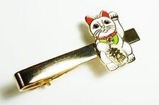 Maneki Neko Lucky Cat Japanese Asian Fortune Beckoning Suit Work Tie Bar Clip