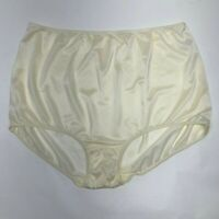 Pretty Plus Size Yellow Sears Panties. Roomy. Size 10