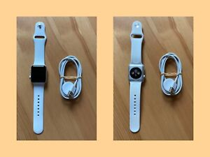 Apple Watch Series 2 38 mm, Aluminiumgehäuse silber, Armband weiß, tadellos