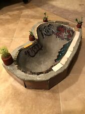 LC BOARDS Fingerboard Custom Concrete Pool With Tile And Graffiti