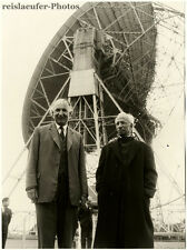 Pres. of India Dr. Radhakrishnan & Sir Lovell at Jodrell, Orig.-Photo from 1963