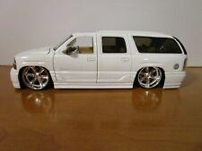 JADA 1/24 DUB CITY WHITE 2002 GMC YUKON DENALI SUV USED NO BOX *READ*