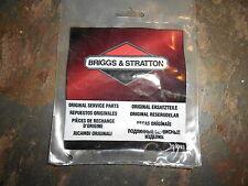 NOS Briggs and Stratton OEM Governor Spring 691297