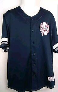 True Fan Yankees Men's Baseball Jersey Size L  New York Yankees Button Patch