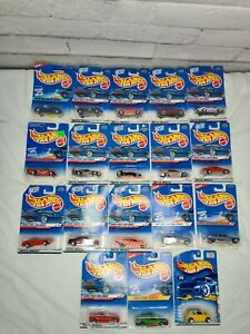 late 1990's - early 2000's Hot Wheels lot (18 total)