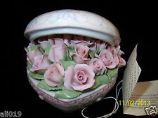 "Suberto Roses in Heart Shaped Music Box  ""My Heart with Love""  Plays Love Story"
