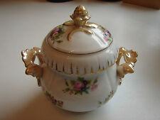antike Bonbonniere, original Biedermeier, Blumenbouquets und Golddekor