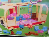 Jazwares Peppa Pig Transforming Campervan. 16 pieces included. NIB
