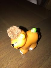 Fisher Price Little People female lion with green snail touch and feel 2005 (1)#