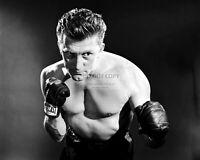 "KIRK DOUGLAS IN THE 1949 FILM ""CHAMPION"" - 8X10 PUBLICITY PHOTO (SP530)"