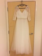 Princess V-neck Floor-Length Tulle Wedding Dress With Beading