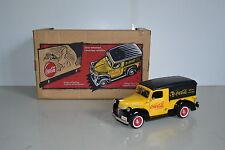 Ertl Coca-cola 1/25 Dodge Van 1947 Delivery Truck ouvert. latérales. Réf.27009.