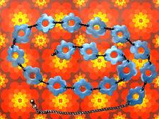 A55 -  60er 70er Jahre Woodstock Revival Ketten Pril Blumen Gürtel Boho blau