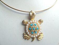 Rare collier rigide couleur or pendentif tortue perles turquoise bijou vintage P