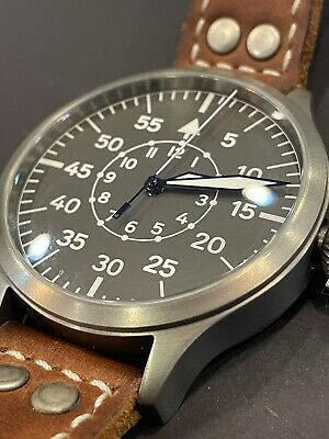 Steinhart Nav-B Uhr 47 Titan Master Central Second.