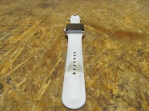 Apple Watch Series 3 38mm ( LOT 3502)