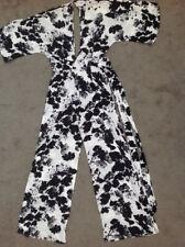 Ladies ASOS White & Black Floral Jumpsuit Size 8 Petite Wide leg V Neck BNWT