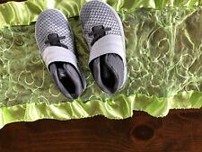 boys Nike sz 9.5 grey shoes