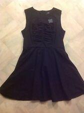CUE BNWT BLACK & WHITE PINSTRIPE DRESS Sz 14