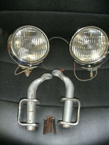 """1949-1950 Chevrolet pickup clear 5 """"  Guide 2025-A   fog lights with brackets"""