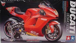Tamiya 14101 1/12 Scale Model Sports Bike Motorcycle Kit Ducati Desmosedici