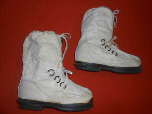 U.S.ARMY : From Korea War 1951  Army Snow Boots  MILITARIA