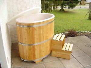 Sauna Tauchbecken aus hochwertigem Lärchenholz inkl. Kunststoffeinsatz und Trepp