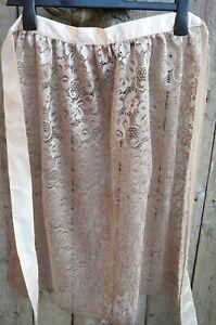 Dirndl Schürze Spitze in nude mit cremefarbenen Bund, Spitzenstoff, 70cm, Neu!