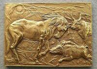 scultura Bronzo placchetta dorata bassorilievo cavallo,cinghiale,toro PARIGI1984