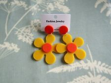 new Mod / 60s daisy earrings