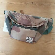 HERSCHEL SUPPLY CO SEVENTEEN WAIST PACK TRAVEL BUMBAG CAMO GREEN ONE SIZE