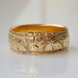 Fine Antique Victorian 18ct Gold Engraved Wedding Band Ring c1900; UK Size 'O'