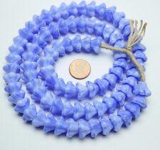 Strang 64 cm Blütenkelch Blumen blau böhmische Kappen Glasperlen 10 X 13 mm