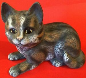 TABBY CAT PORCELAIN FIGURINE GRAY ORANGE CALICO SIGNED 6""
