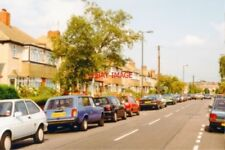 PHOTO  LONDON 1997 RAYNES PARK/LOWER MORDEN CANNON HILL LANE EAST VIEW AT QUEEN