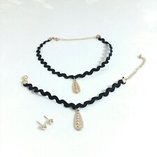 Black Wavy Gold Pendant Choker Necklace Bracelet & Earring Set