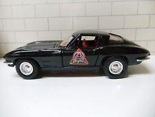 1963 CHEVROLET CORVETTE SPLIT WINDOW COUPE BIG A AUTO PARTS 30 YEARS ERTL 1/25