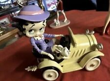 """Rare! Betty Boop Statue  Driving in Car Figurine Statue 8"""" X 9"""" Stamped 2003 new"""