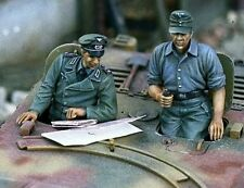 1/35 WWII Resin Model Kit GERMAN STUG CREW (2 HIGH QUALITY FIGURES)