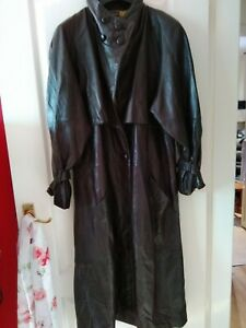 Superb  Vintage Leather Trench Coat Size 12 but fit bigger