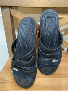 crocs sandals 6 W